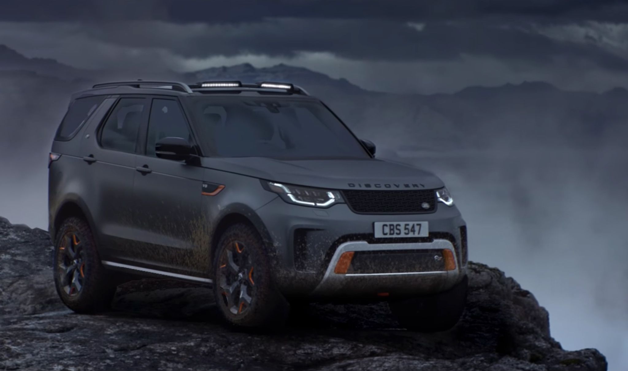 land-rover-discovery-svx-12